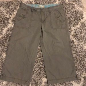 Women's Old Navy Olive Green Capris Size 14